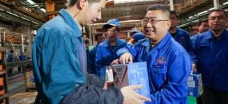 袁宏明看望慰问一线员工 感谢为企业发展做出的贡献