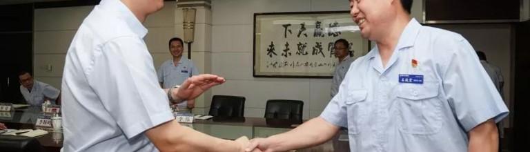 蔡家坡经开区管委会主任王海刚到陕汽调研